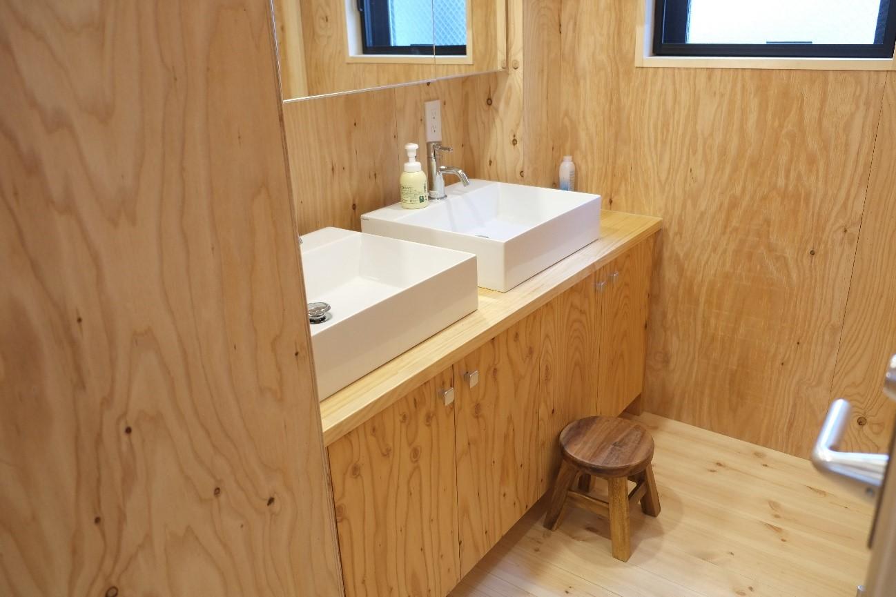 2階:コモンスペース・洗面所