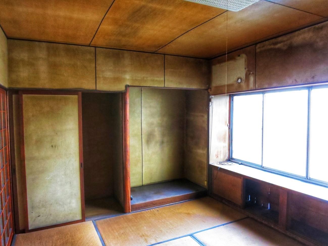 Before: 工事前の町家2階(西)
