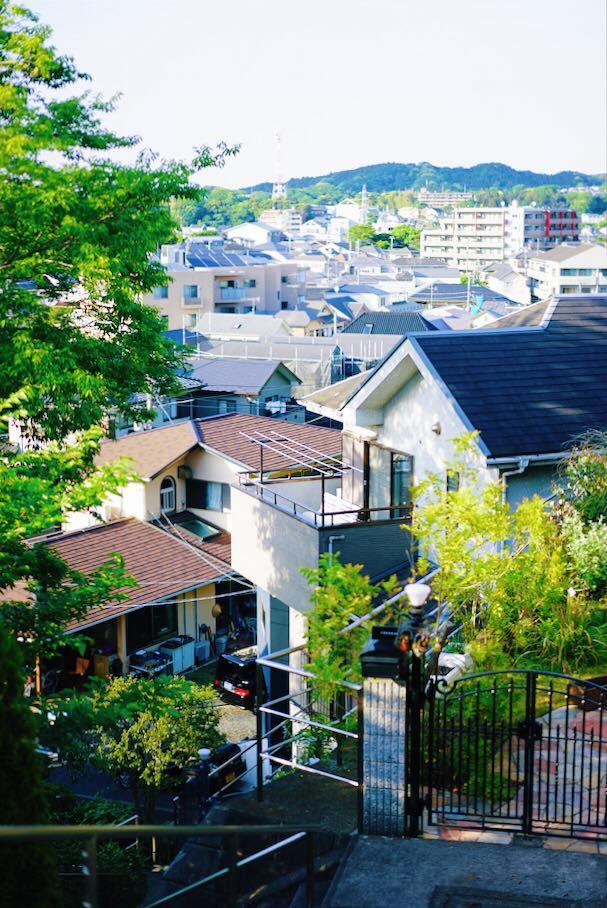 高台から望む北鎌倉の街並み(いずれもアドレス提供)