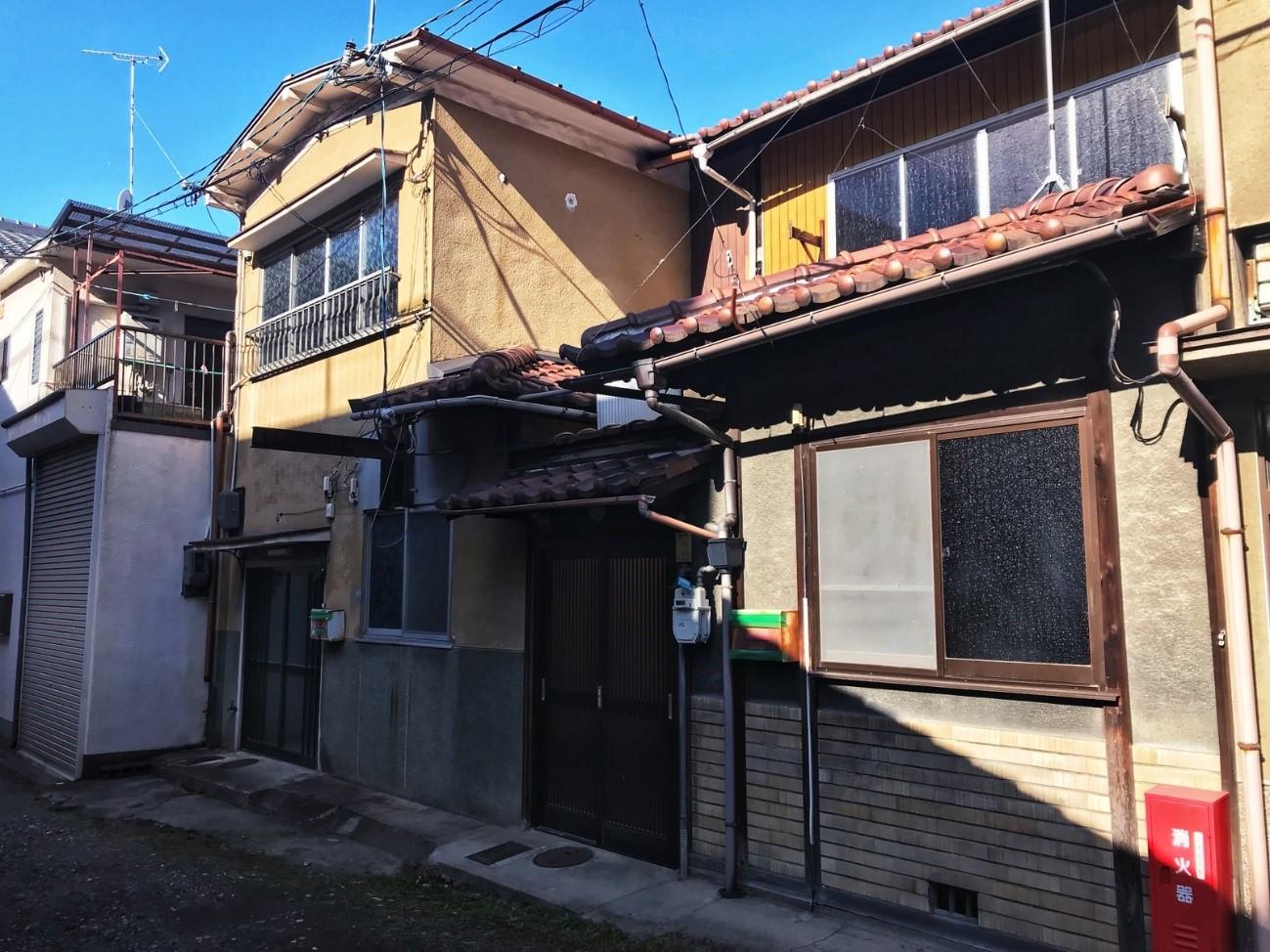 Before: 工事前の町家外観(入口正面)