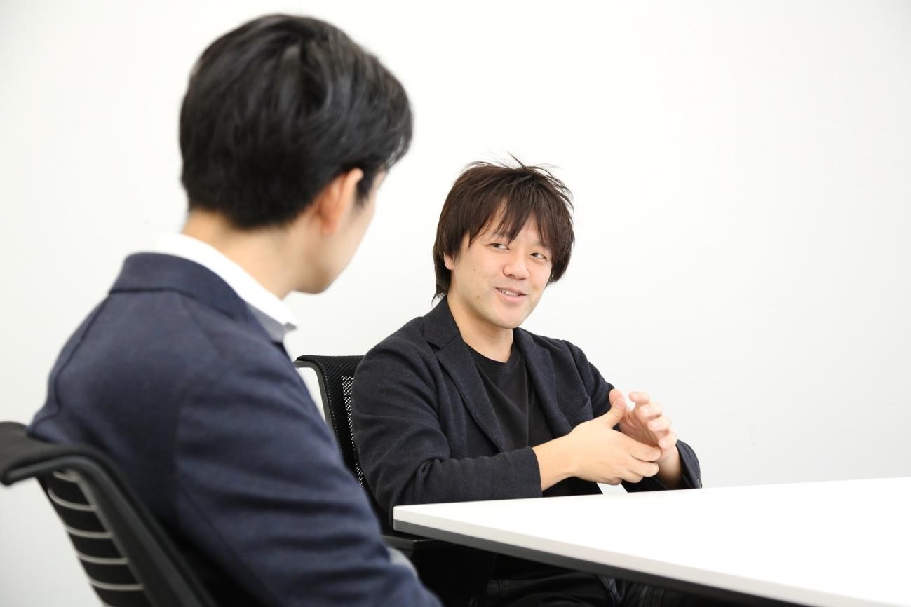 内田さんと対談する鬼頭