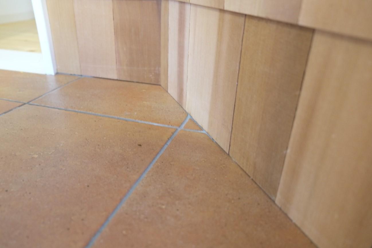 テラコッタの床材