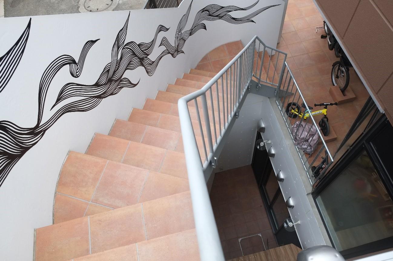 2階:シェアハウス外階段
